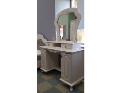 Стол туалетный 06.33 Кантри кремовый/сандал белый